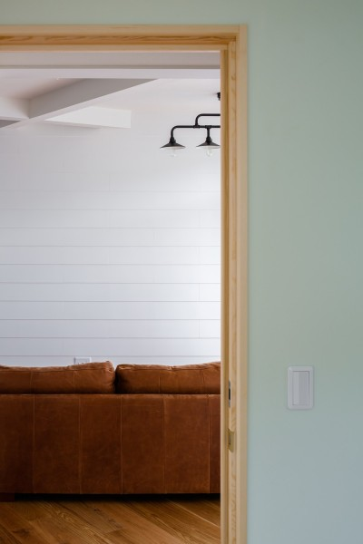 部屋ごとに添える色とりどりの壁 (部屋01)