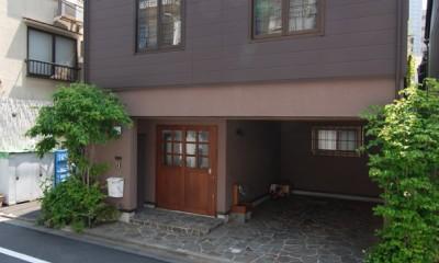 木造耐火構造の町屋~狭小地3階建ての住まい~ (レトロモダンに装う)