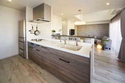 ライフスタイルに合わせたリフォームで理想の暮らし (キッチン)