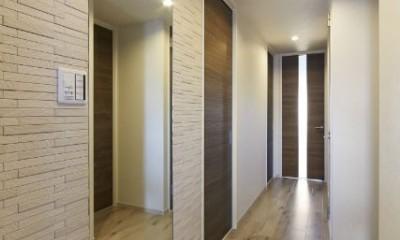 ライフスタイルに合わせたリフォームで理想の暮らし (玄関)