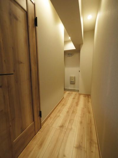 廊下・玄関 (ラスティック調にフルリフォーム)