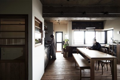ダイニングキッチン (混ぜるほどに味が出る暮らし。愛知県安城市・マンションリノベーションK様邸)