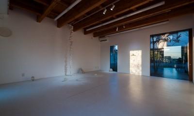 アトリエ・ギャラリー|小立野台地の家|街を見下ろす眺望の良い家