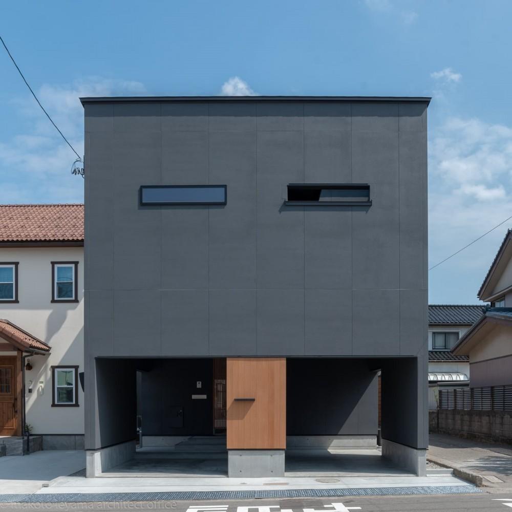 外観 (円光寺の家|内部と外部が繋がるミニマルな住宅)