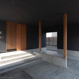 円光寺の家|内部と外部が繋がるミニマルな住宅