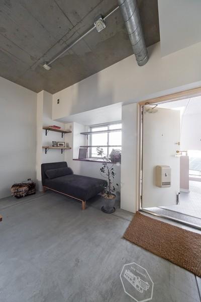 玄関土間 (それぞれのスペースが快適さを生む。ドッグ・リノベ)