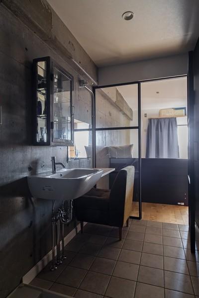 洗面 (それぞれのスペースが快適さを生む。ドッグ・リノベ)