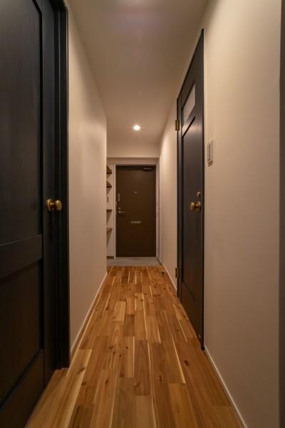 廊下 (マンションリフォーム『Industrial styleと畳フローリングの融合』)