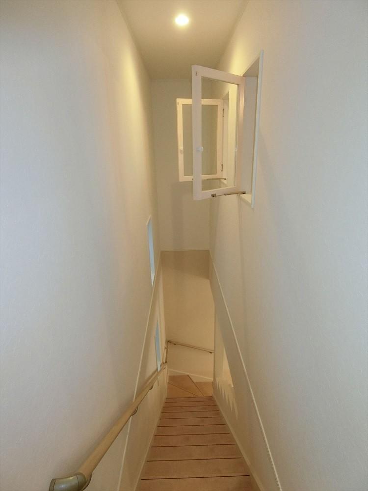 デザイナーズ企画仕様:シンプルハウスN (階段)