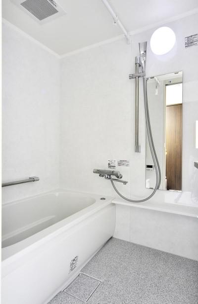 浴室 (卓上IHコンロでセパレート可能なフリースタイルキッチン)