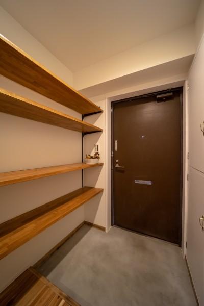 マンションリフォーム『Industrial styleと畳フローリングの融合』 (玄関)