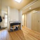 川崎市T様邸 ~風の通り道~の写真 廊下も含めてホールのような広がりのある空間