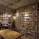 おうち図書館×大人の秘密基地がテーマのこだわりの住まいの写真 ライブラリーコーナーを設けて趣味を楽しむ