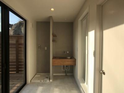 洗面室 (趣味と暮らしやすさにこだわった「自分たちのため」の家)