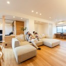 re.haus-tn/二世帯住宅の一世帯分をフルリノベーションの写真 re.haus-tn リビング