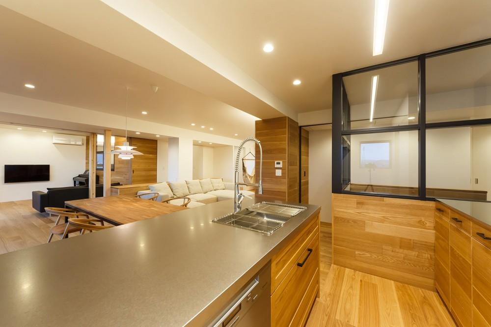 re.haus-tn/二世帯住宅の一世帯分をフルリノベーション (re.haus-tn キッチン)