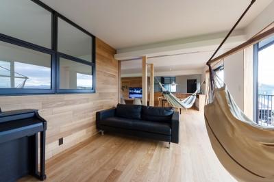 re.haus-tn/二世帯住宅の一世帯分をフルリノベーション (re.haus-tn リビング)