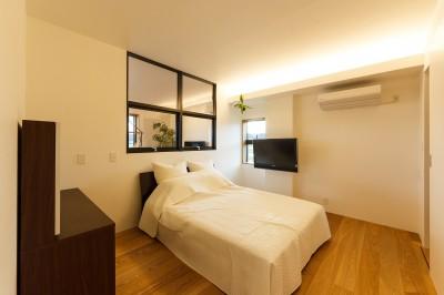 re.haus-tn/二世帯住宅の一世帯分をフルリノベーション (re.haus-tn 寝室)