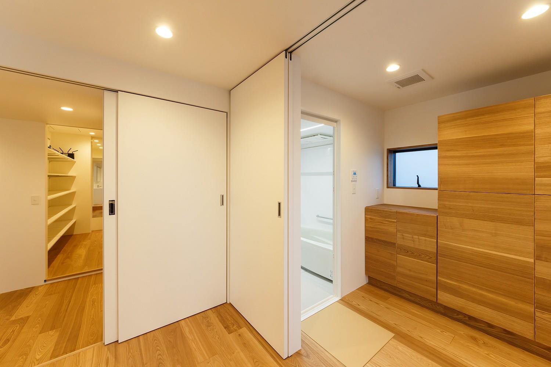 バス/トイレ事例:re.haus-tn 洗面&浴室(re.haus-tn/二世帯住宅の一世帯分をフルリノベーション)