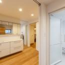 re.haus-tn/二世帯住宅の一世帯分をフルリノベーションの写真 re.haus-tn 洗面&浴室