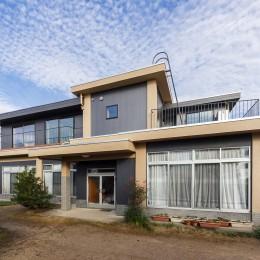 re.haus-tn/二世帯住宅の一世帯分をフルリノベーション (re.haus-tn 外観)