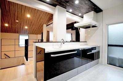 キッチン (増築して完全分離型二世帯住宅に)