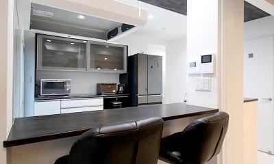 増築して完全分離型二世帯住宅に (カウンターキッチン)