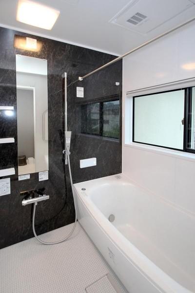 浴室 (増築して完全分離型二世帯住宅に)
