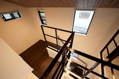 階段・吹き抜け (増築して完全分離型二世帯住宅に)