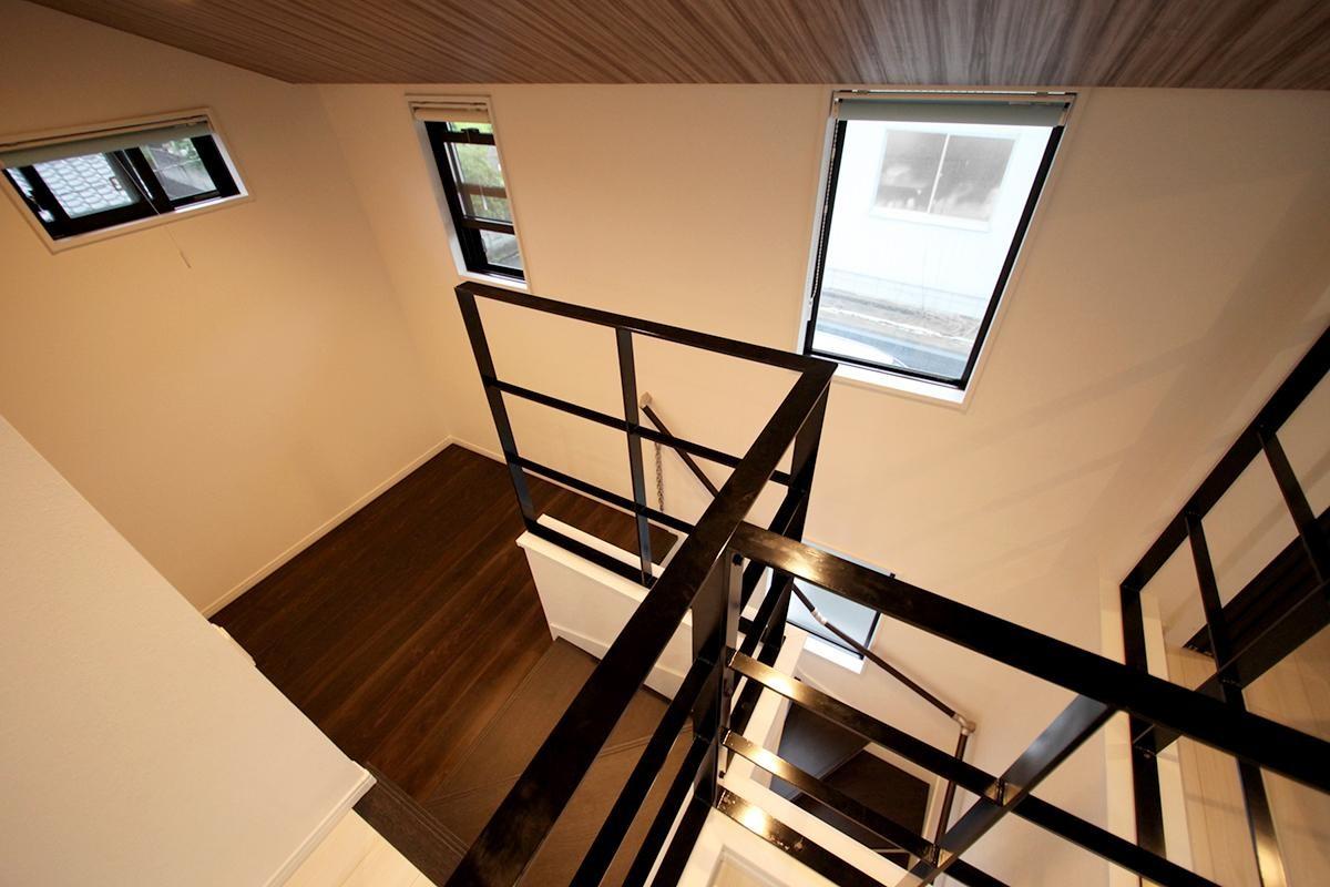 その他事例:階段・吹き抜け(増築して完全分離型二世帯住宅に)