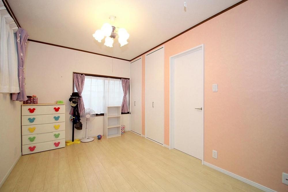 増築して完全分離型二世帯住宅に (洋室)