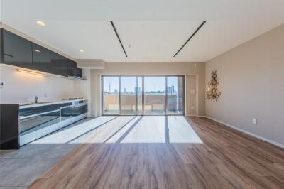 リビング・ダイニング・キッチン (陽当り、眺望の良い最上階のお部屋をリノベーション! ~ I様邸 ~)