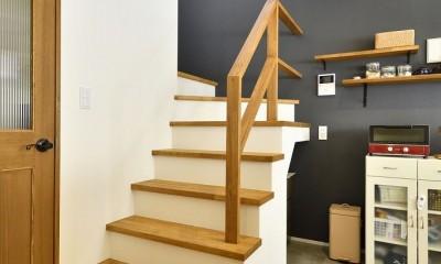 ここまで変わる!築40年の戸建てを一新 (リビング階段)