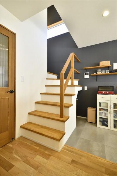 リビング階段 (ここまで変わる!築40年の戸建てを一新)