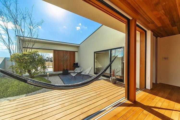 桐野町の家 (中庭)