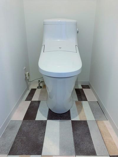 トイレ (陽当り、眺望の良い最上階のお部屋をリノベーション! ~ I様邸 ~)
