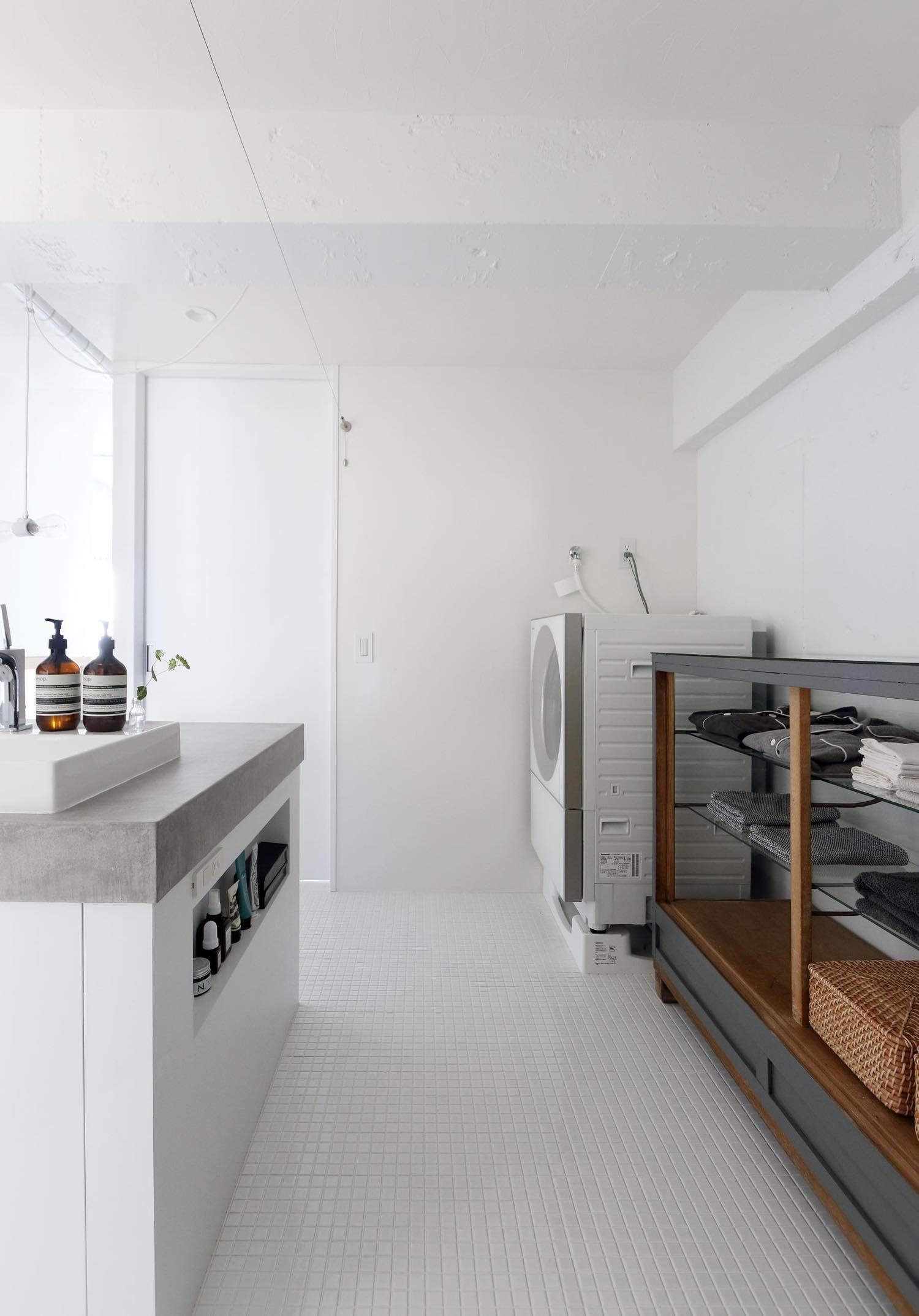 バス/トイレ事例:洗面スペース(柔らかく、温い家)