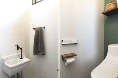 豊橋の店舗併用住宅 (トイレ)