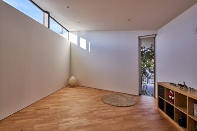 子供室 (神戸町の平屋)