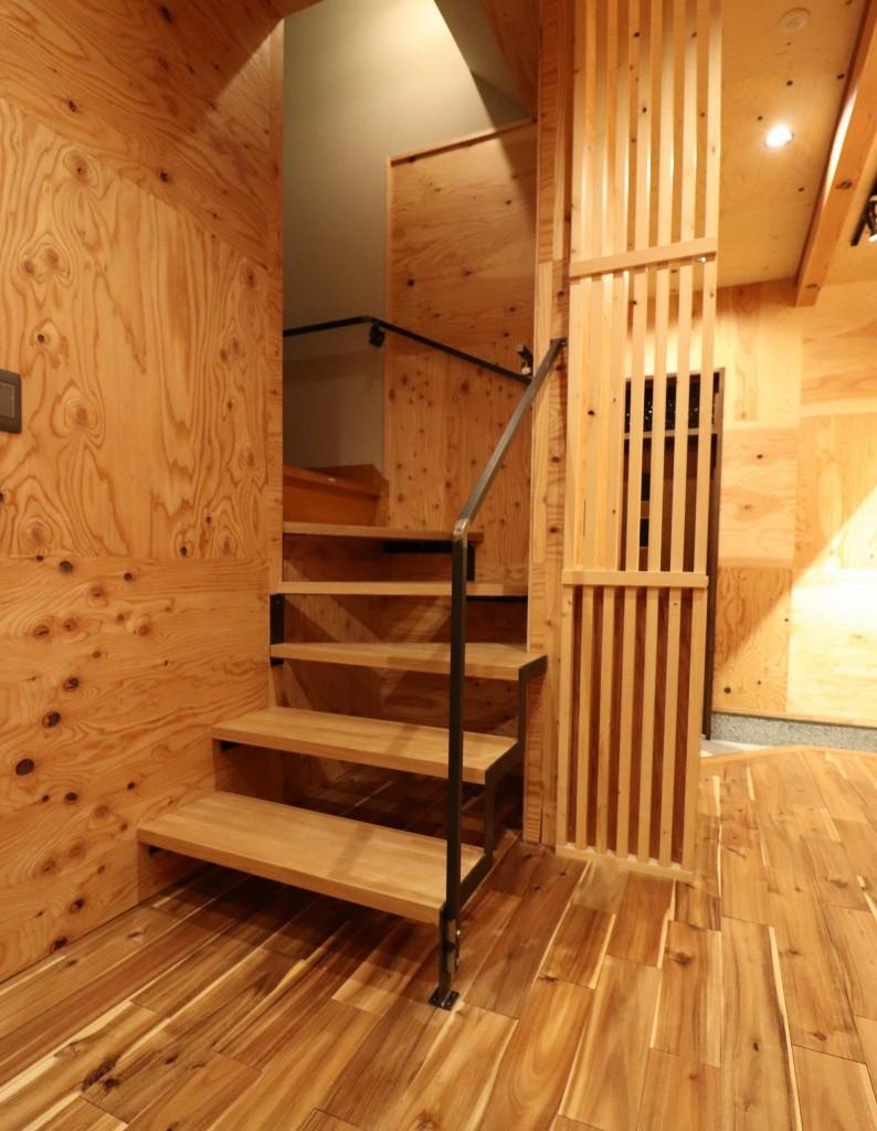 「住む人が家を好きになる。」カスタマイズする家 (スリップ階段)