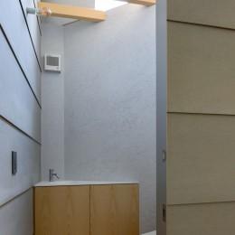 垂井町のコートハウス (トイレ)