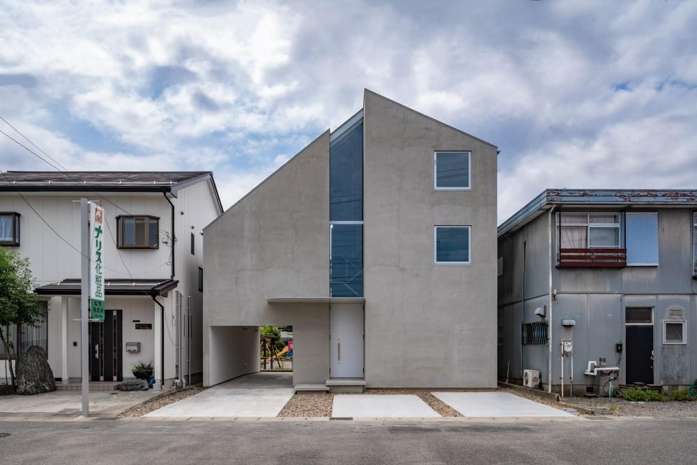西改田の二世帯住宅 (外観)