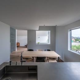 西改田の二世帯住宅 (キッチン ダイニング 動線室)