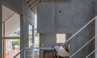 西改田の二世帯住宅 (リビング ダイニング バルコニー 3F寝室 動線室)