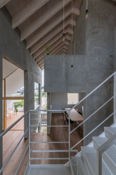 リビング ダイニング バルコニー 3F寝室 動線室 (西改田の二世帯住宅)