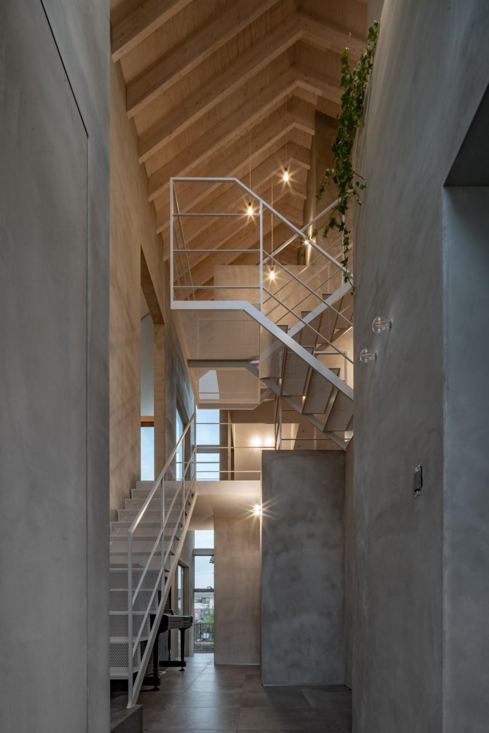 西改田の二世帯住宅 (動線室 夜景)