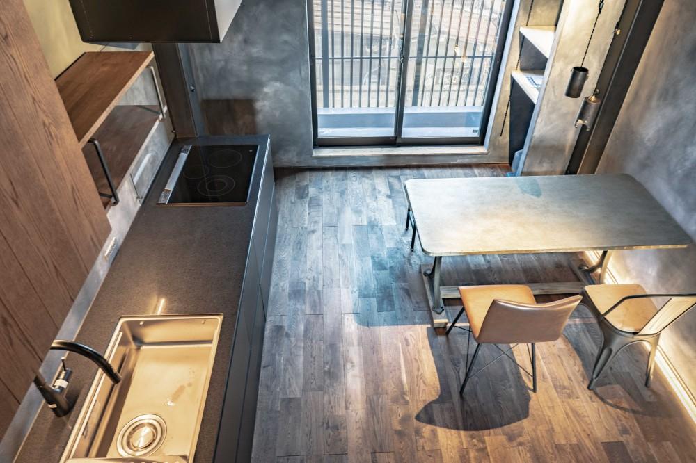 京都市重量鉄骨の家〜狭小住宅リノベーション〜 (dining kitchen)