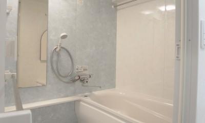化粧梁と間接照明 (浴室)