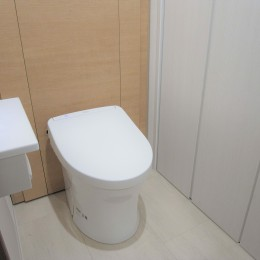 化粧梁と間接照明 (トイレ)