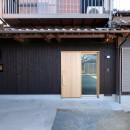 朝倉の家【リノベーション】の写真 焼杉貼の外観